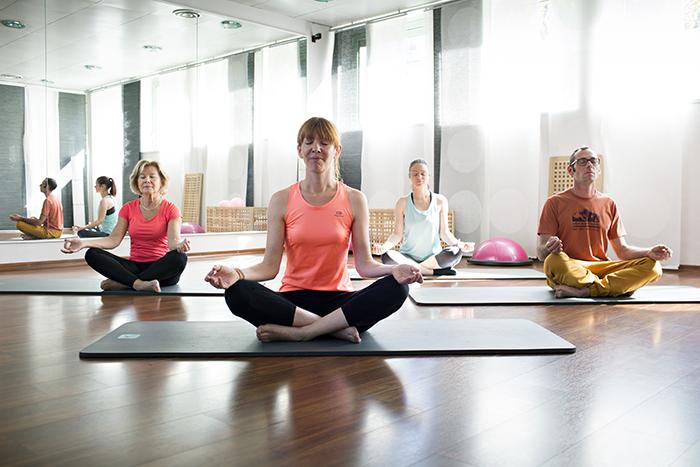 Yoga en groupe ateliers santé royat